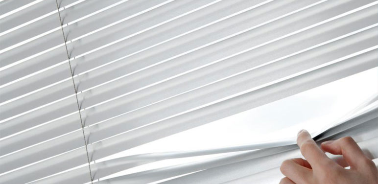 4 effective tips to clean your window blinds