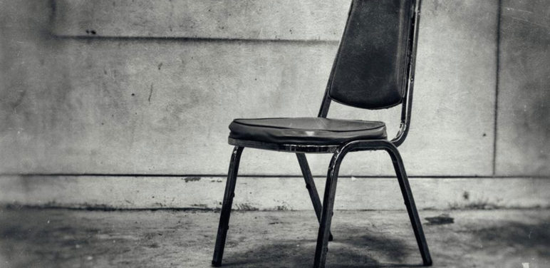 Church chairs –types and factors to consider for selection