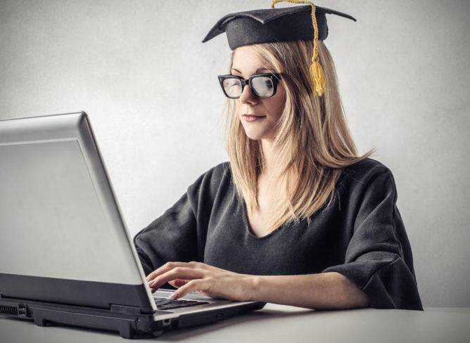 Reasons behind the popularity of accounting degrees