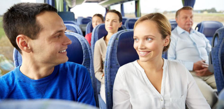 4 factors to consider while selecting a bus tour