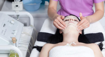 Points to consider before opening up your own salon and spa parlor