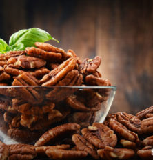 3 Salads with Pecan Nuts This Thanksgiving