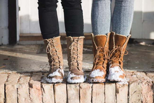 Best-Types-of-Winter-Travel-Shoes-for-Women