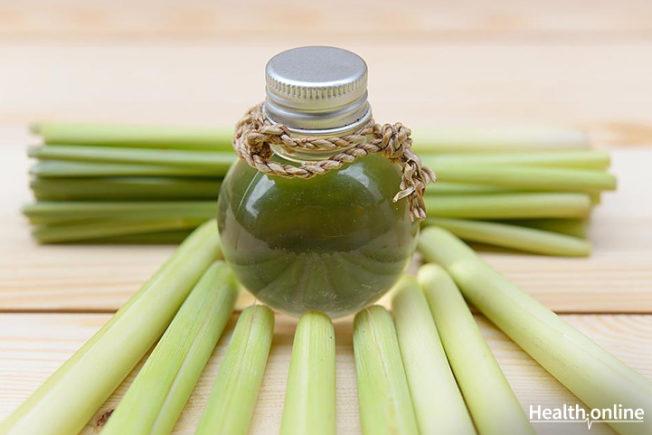 17 Powerful Health Benefits of Lemongrass