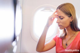 How to Deal with Migraine While Travelling