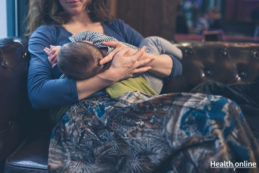 Breastfeeding-in-Public-What-You-Need-to-Know