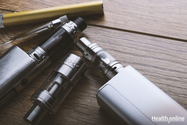 The-Pros-and-Cons-of-E-Cigarettes