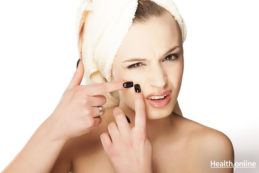 7-Natural-and-Safe-Home-Remedies-to-Remove-Moles