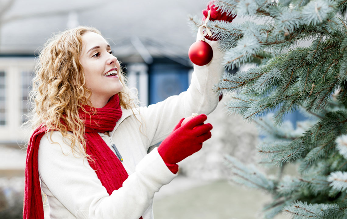 6 types of Christmas ornaments you should know about