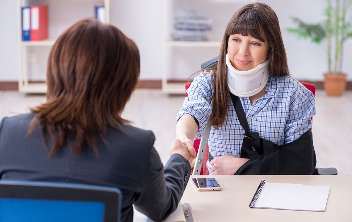 4 reasons to hire a personal injury lawyer