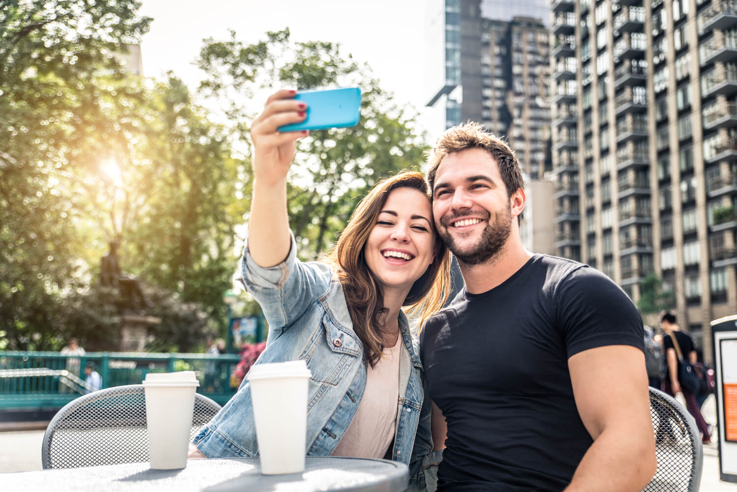 Dating On The Go – Dating Site Mobile Apps
